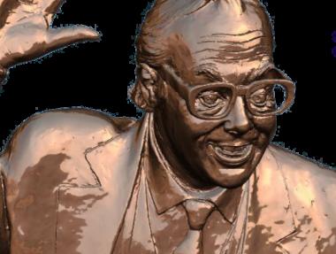 Graham Ibbeson's Eric Morecambe statue